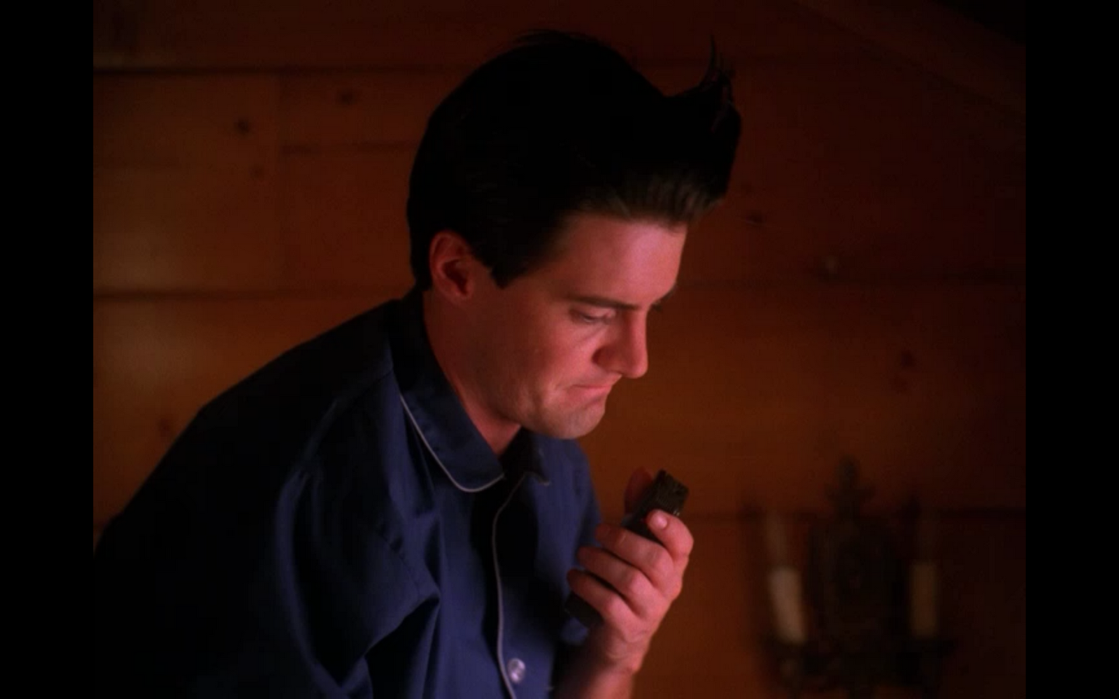 twin peaks critical essay Home essays lazybastardcom essays this is a formica table--thoughts on twin peaks it didn't seem like there was a lot going on in the popular arts back in 1990.